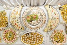 Diversa comida en la tabla Imagen de archivo libre de regalías