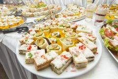 Diversa comida en la tabla Foto de archivo