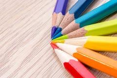 Diversa foto coloreada de los lápices con el espacio para el texto Foto de archivo libre de regalías