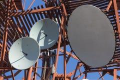 Diversas antenas parabólicas Imagens de Stock