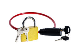 Diversas cerraduras con llaves aisladas Imagen de archivo