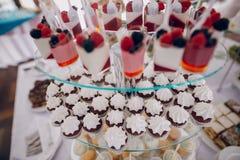 Diversas chucherías de la boda Fotos de archivo libres de regalías