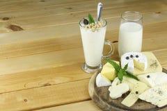 Diversas clases de clases productsarious de la lechería de productos lácteos Foto de archivo