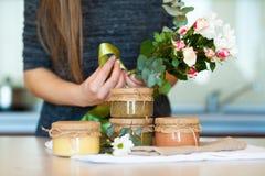 Diversas clases de fruta deliciosa atascan para el desayuno Imagenes de archivo