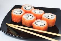 Diversas clases de sushi y de sashimi Foto de archivo