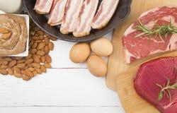 Diversas comidas que son altas en proteína imagen de archivo