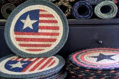 Diversas esteiras de lugar handcrafted no teste padrão da bandeira Foto de Stock Royalty Free