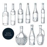 Diversas formas de las botellas de vino Ejemplo aislado bosquejo del vector Elementos exhaustos del dise?o de la mano de la carta libre illustration
