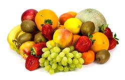 Diversas frutas aisladas en blanco Foto de archivo