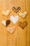 Diversas galletas con dimensiones de una variable del corazón Imagen de archivo libre de regalías