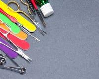 Diversas herramientas de la manicura con el espacio de la copia Imagenes de archivo