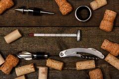 Diversas herramientas para el vino Imagen de archivo