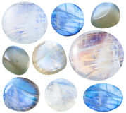 Diversas piedras de gema caídas de la piedra lunar (adularia) fotografía de archivo libre de regalías