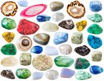 Diversas piedras de gema de la ágata aisladas en blanco Fotos de archivo