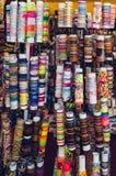 Diversas pulseras coloridas imagen de archivo libre de regalías