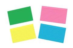 Diversas tarjetas de índice en blanco coloreadas aisladas Foto de archivo libre de regalías