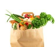 Diversas verduras del múltiplo en bolsa de papel Foto de archivo libre de regalías