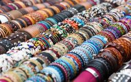 Diverse armbanden stock foto's