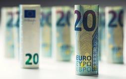 Diverse centinaia euro banconote impilate da valore Banconote dell'euro di Rolls Euro soldi di valuta Immagini Stock