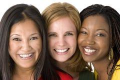 Diverse die groep vrouwen op wit worden geïsoleerd stock afbeeldingen