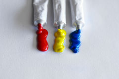 Diverse gekleurde buizentempera stock foto