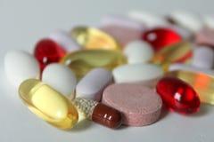 Diverse geneesmiddelen en pillen royalty-vrije stock foto's