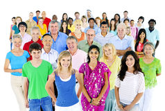 Diverse groep die mensen zich verenigen Stock Foto's