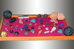 Diverse juwelen, minerale stenen of halfedelstenen stock foto