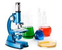 Diverse kleurrijke flessen royalty-vrije stock afbeeldingen