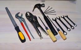 Diverse mechanische hulpmiddelen voor werktuigkundigen en bouwers stock afbeeldingen