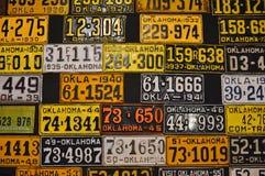 Diverse oude Amerikaanse nummerplaten Stock Fotografie