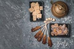 Diverse soorten bruine suiker stock afbeelding