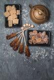 Diverse soorten bruine suiker stock fotografie