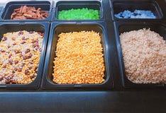 Diverse Soorten Kleurrijke Organische Ingrediënten voor Salade stock afbeelding