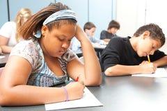Diverse Studenten - het Objectieve Testen Stock Foto