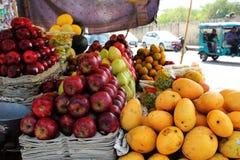 Diverse Types van Vruchten in Delhi stock fotografie