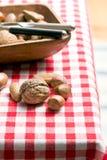 Diverse unpeeled noten stock afbeeldingen