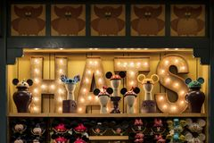 Diversehandel i det berömda i stadens centrum Disney området, Disneyland Resort Royaltyfria Foton