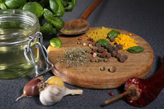 Diverses épices et herbes Photographie stock