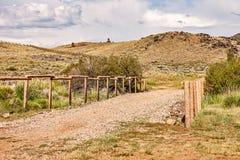 Diverses barrières sur la terre au Wyoming photos stock