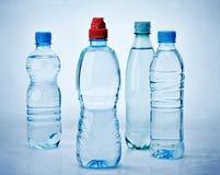 Diverses bouteilles d'eau Photo stock