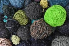 Diverses couleurs et textures de laine Photo stock