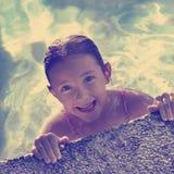Diversión de la natación del verano de Instagram Imagenes de archivo