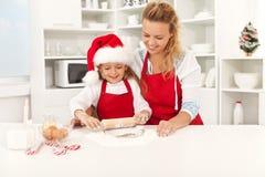 Diversión de la Navidad en la cocina Fotografía de archivo libre de regalías