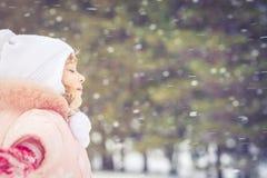 Diversión del invierno del niño Fotos de archivo libres de regalías