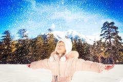 Diversión del invierno del niño Fotografía de archivo