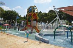 Diversión del verano en el parque del agua Imagen de archivo