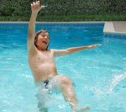 Diversión del verano en piscina Fotografía de archivo