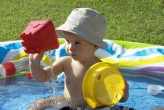 Diversión en la piscina Foto de archivo libre de regalías