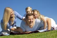Diversión y risa de la familia Imagen de archivo libre de regalías